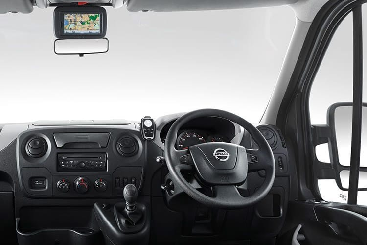 Nissan NV400 L2 35 FWD 2.3 dCi FWD 135PS Acenta Tipper Manual inside view